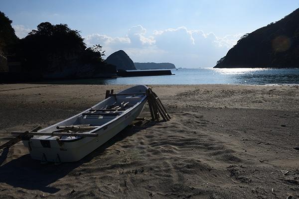 鍋田海岸、だれもいない海。